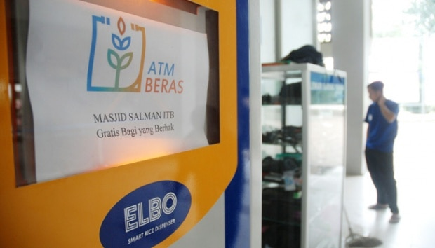 Coronavirus, Covid-19, Pandemic, DKI Jakarta, ATMs for Rice, PSBB, Open kitchen, Madiun, large-scale social restrictions, Ministry of Agriculture, Jokowi,