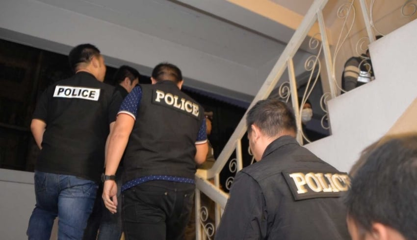 Police in Chiang Mai province have arrested a man posing as a woman to blackmail