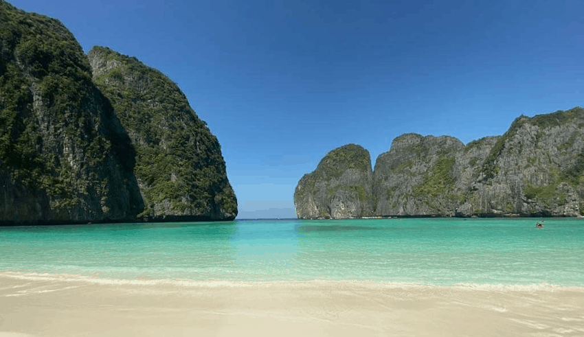 Phi Phi island to negotiate extension of tourists