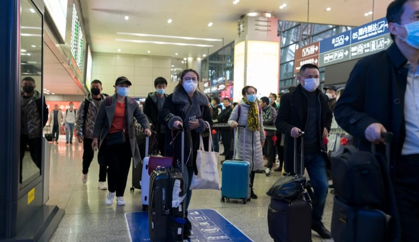 China tourists all wear mask at airport to prevent infection from coronavirus