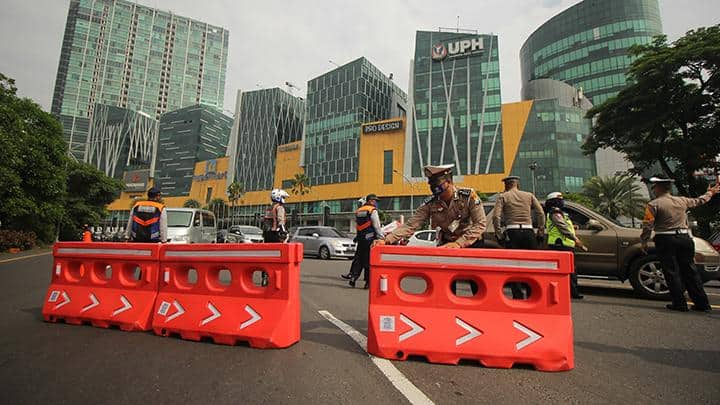 Surabaya city authorities and police stopped numerous car