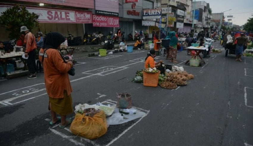 Indonesia market with Social Distancing