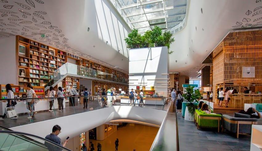 luxury mall located in bangkok