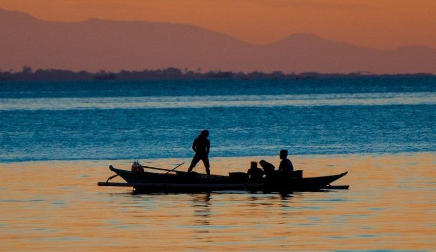 Filipino fishermen